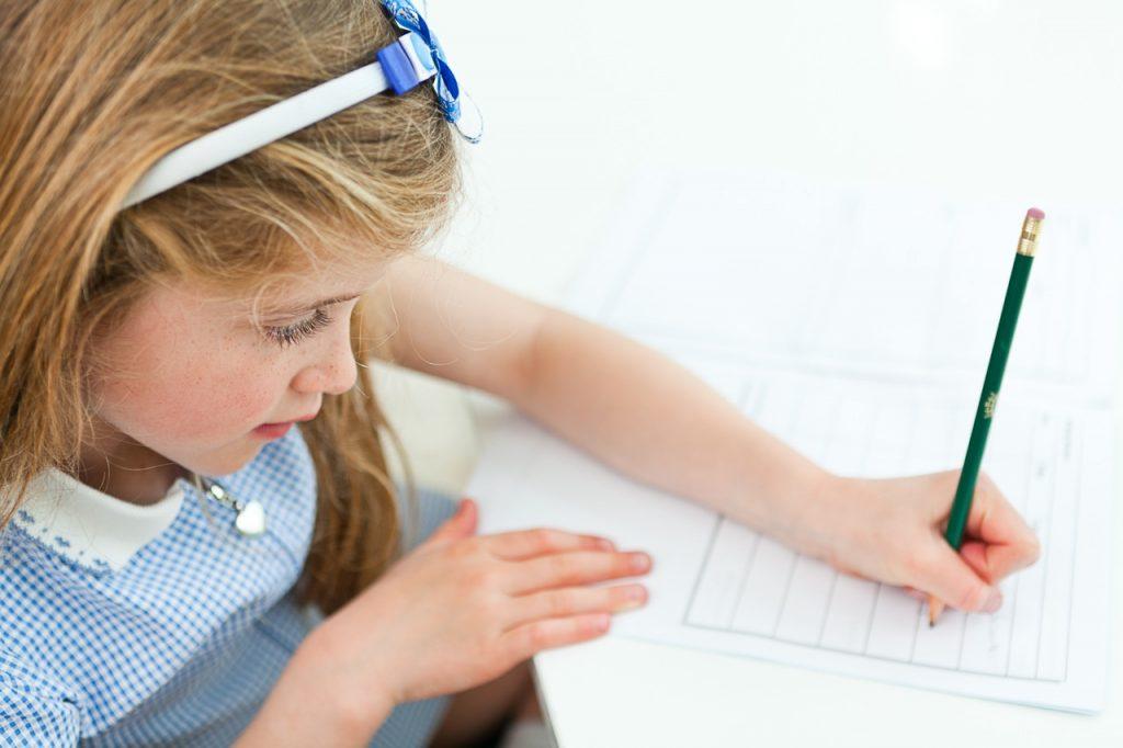 تعليم الطفل الكتابة لاول مرة