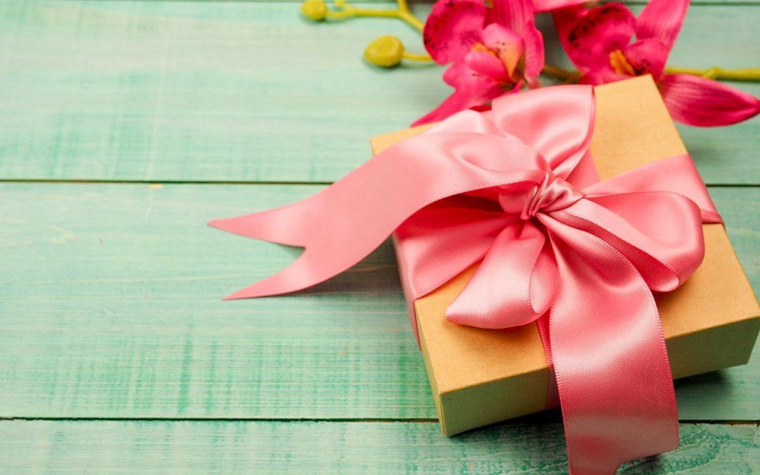أجمل علب وتوزيعات هدايا العيد للكبار