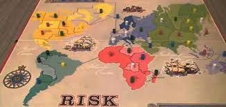 شرح كيفية لعبة ريسك، وخطواتها، واستراتيجياتها
